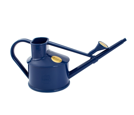 8584_haws-indoor-plastic-watering-can-07ltr-blue